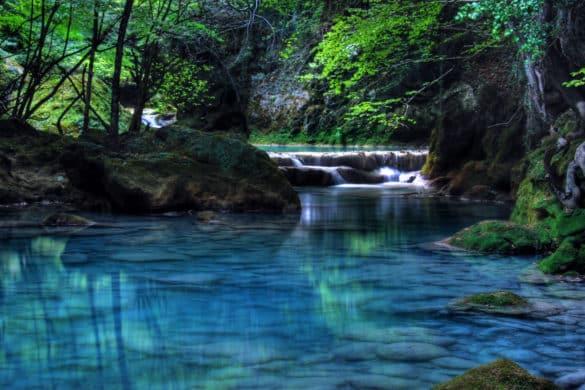 Urederra, paraíso turquesa en un rincón de Navarra