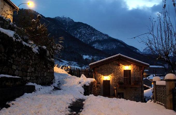 10 postales de casas rurales en invierno y en verano - Casa rural navidad ...