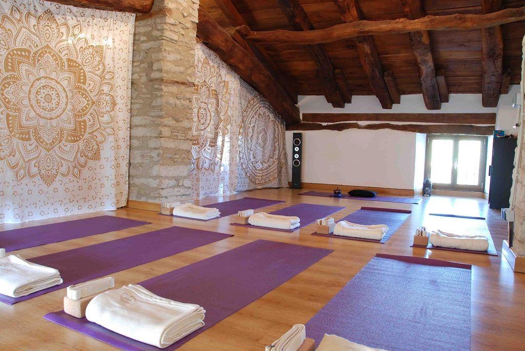 12 Casas rurales donde practicar Yoga bad4c29e29b5