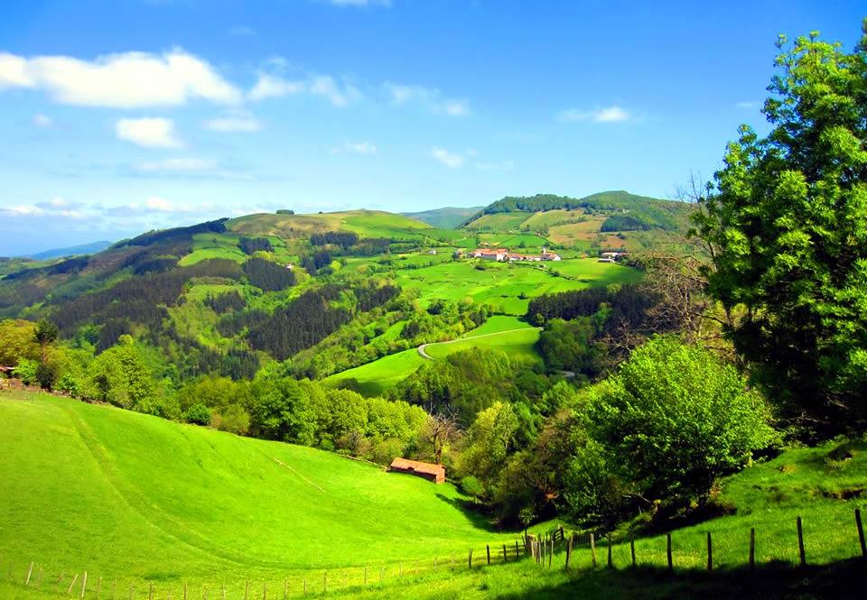 Los preciosos valles de malerreka en navarra - Casas montornes del valles ...