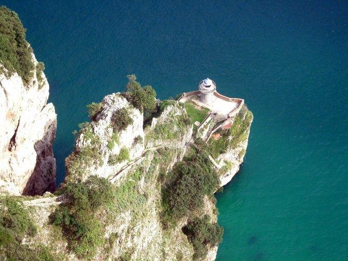 Faro de Santoña