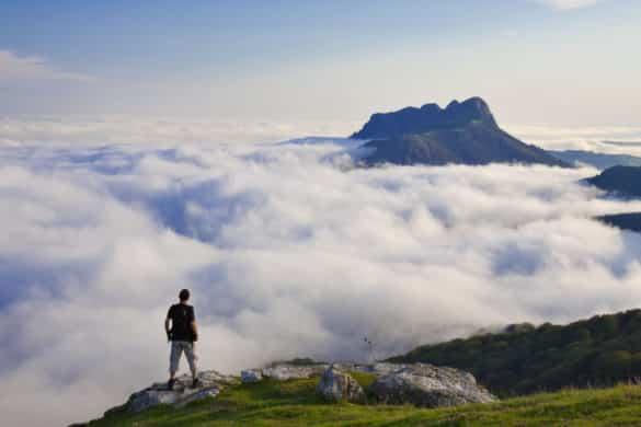 Cómo contemplar las nubes bajo tus pies en Guipúzcoa