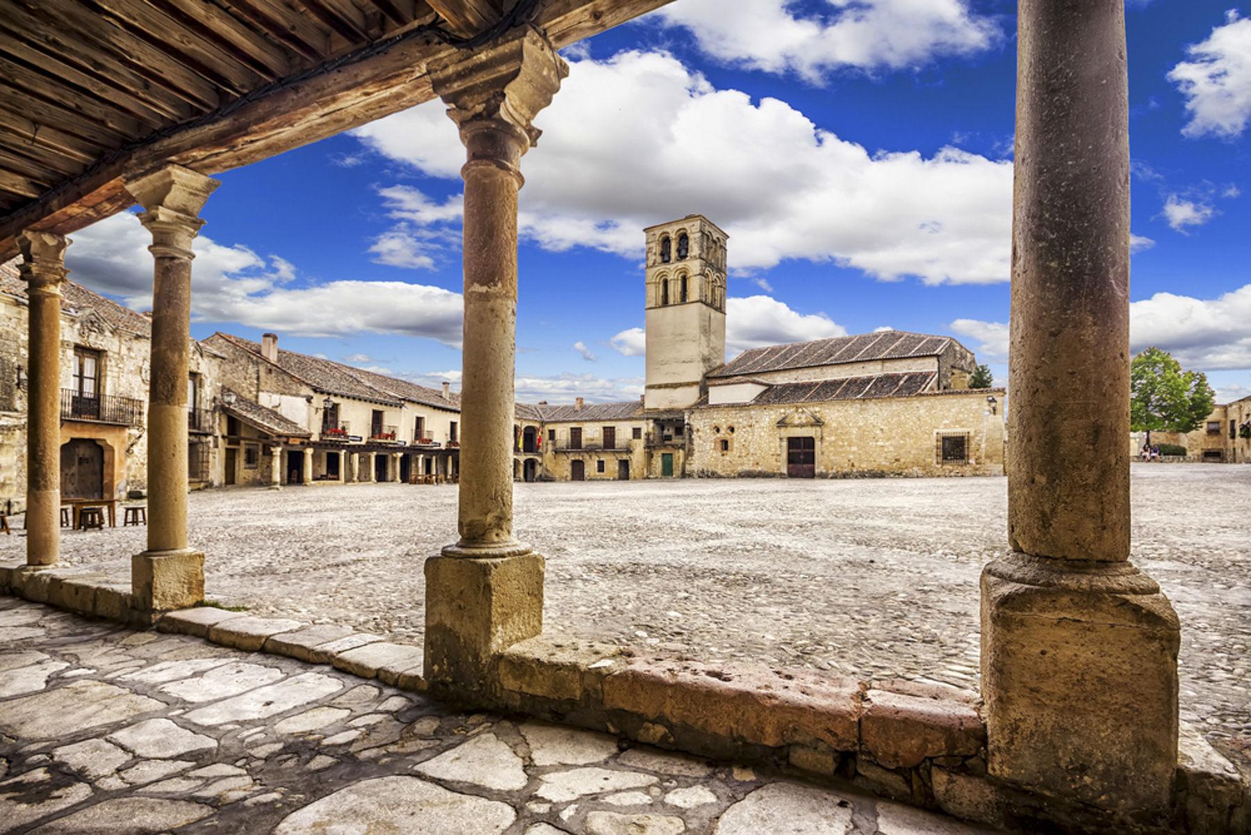Las plazas medievales m s bonitas de espa a - Casas gratis en pueblos de espana ...