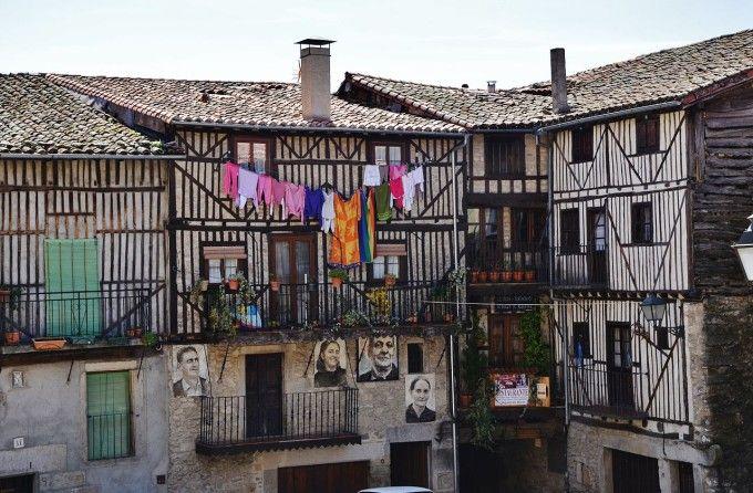 Fuente: ##//commons.wikimedia.org/wiki/File:WLM14ES_-_La_Plaza_de_Mogarraz,_Salamanca_-_MARIA_ROSA_FERRE.jpg##Maria Rosa Ferre##