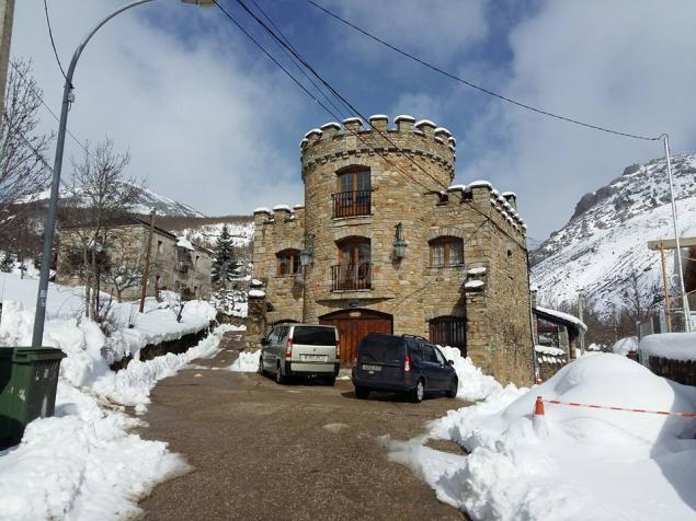 apartamentos castillo de piedrasecha