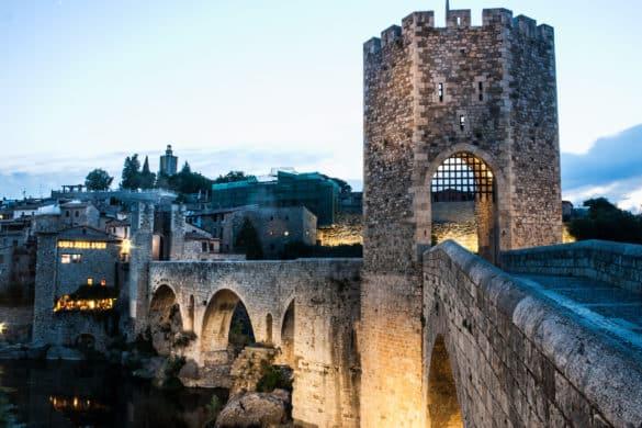 5 razones para visitar Besalú, el pueblo medieval de Girona