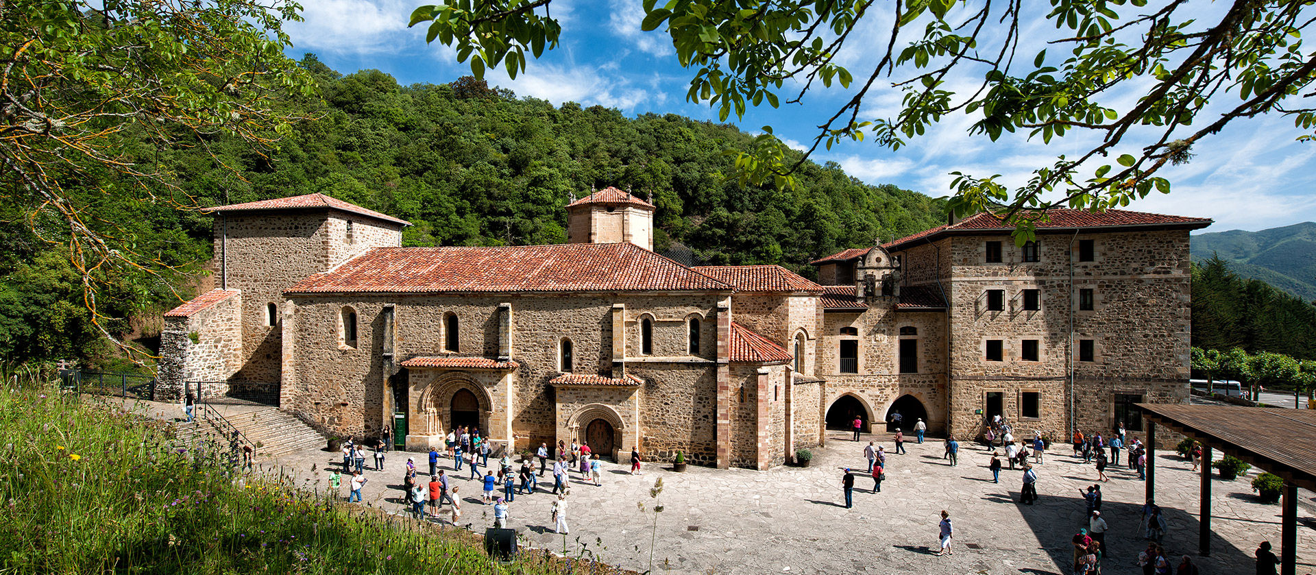 Curiosidades Parisinas Lebaniego-monasterio