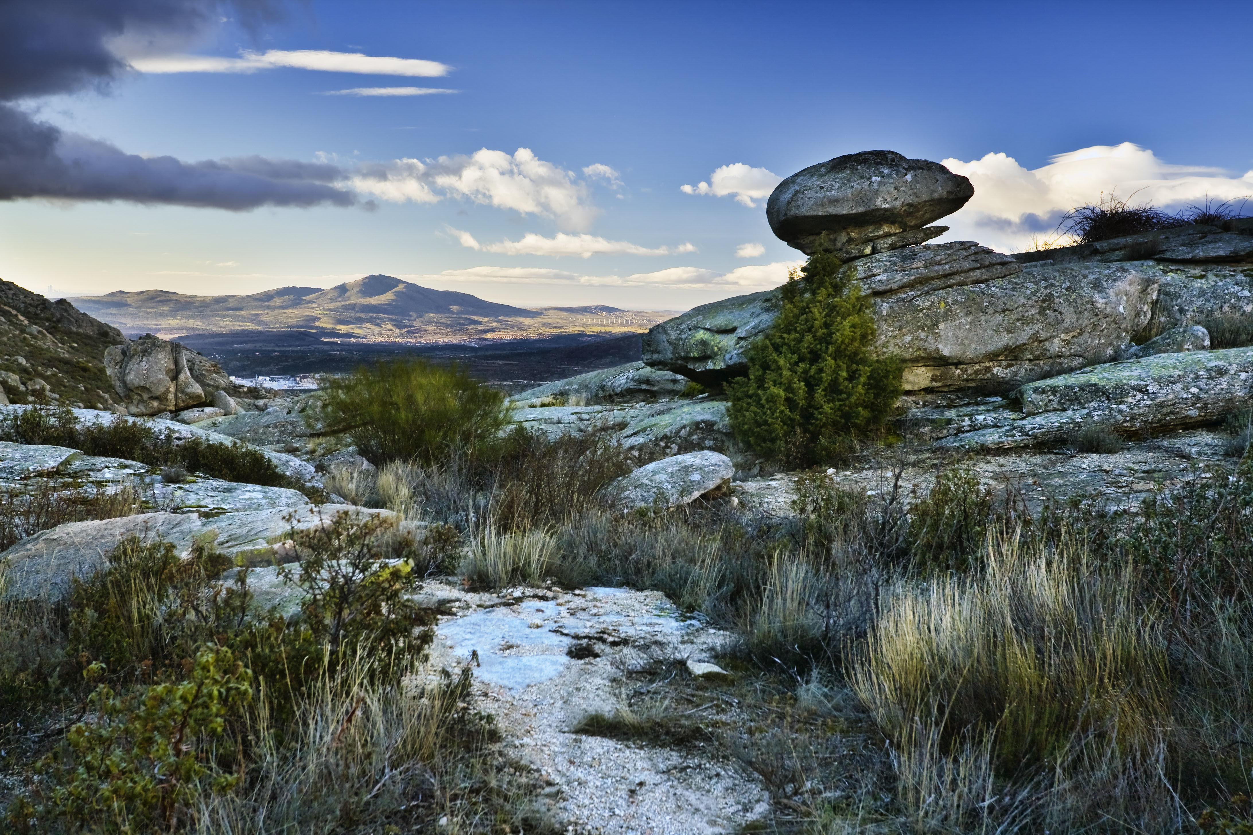Sierra De La Cabrera Una Ola De Roca En La Sierra Norte De Madrid