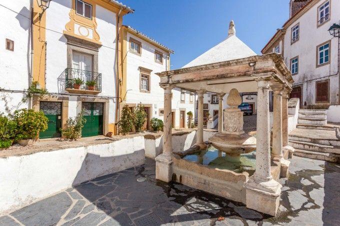 Fonte da Vila en el barrio judío de Castelo de Vide