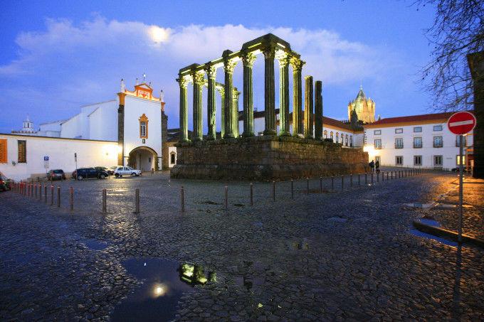 Templo de Evora en Alentejo