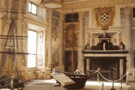 El palacio que la Armada Española alquila por una peseta al año