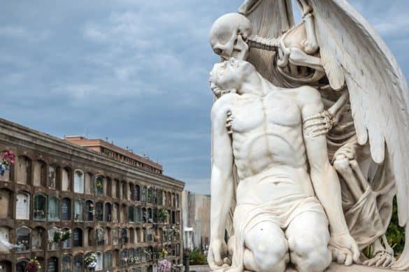 Necroturismo: arte, emociones e historia en nuestros cementerios