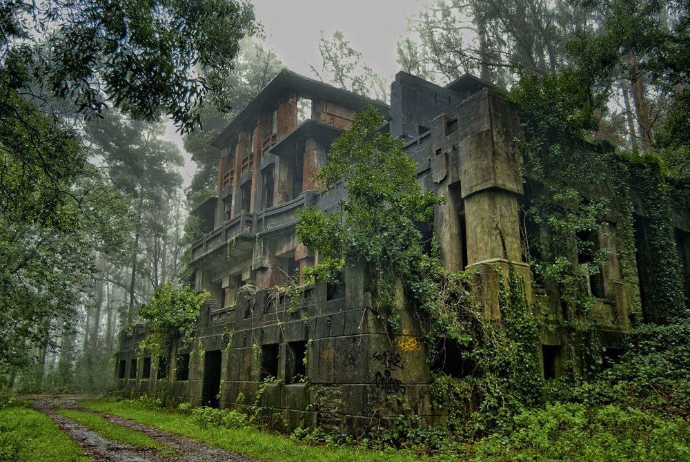Lugares abandonados en espa a m s espectaculares - Que ver en la casa de campo ...