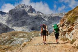 6 medidas obligatorias antes de subir a la montaña