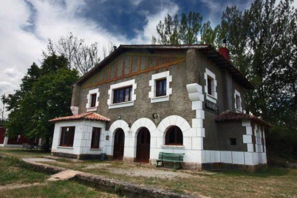 5 estaciones de tren convertidas en casas rurales