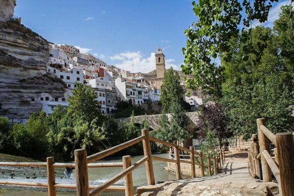 ¿Quieres ir a Alcalá del Júcar? 10 imágenes para inspirarte