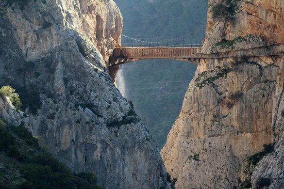 5 Puentes colgantes en España