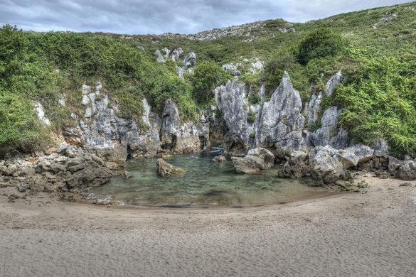 Gulpiyuri, la playa que desaparece