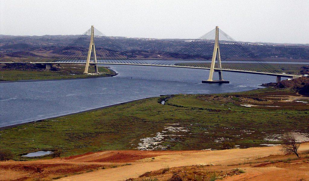 Puente Internacional del Guadiana, entre Castro Marim y Ayamonte