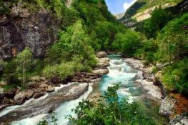 8 ideas para ir al Pirineo aragonés con niños