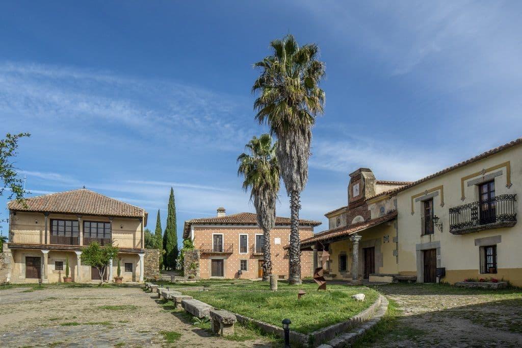 Plaza  de la villa abandonada de Granadilla en Caceres, España