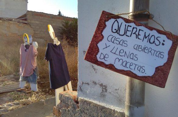 Vecinos de poliespán y un diccionario propio contra la despoblación de Portalrubio