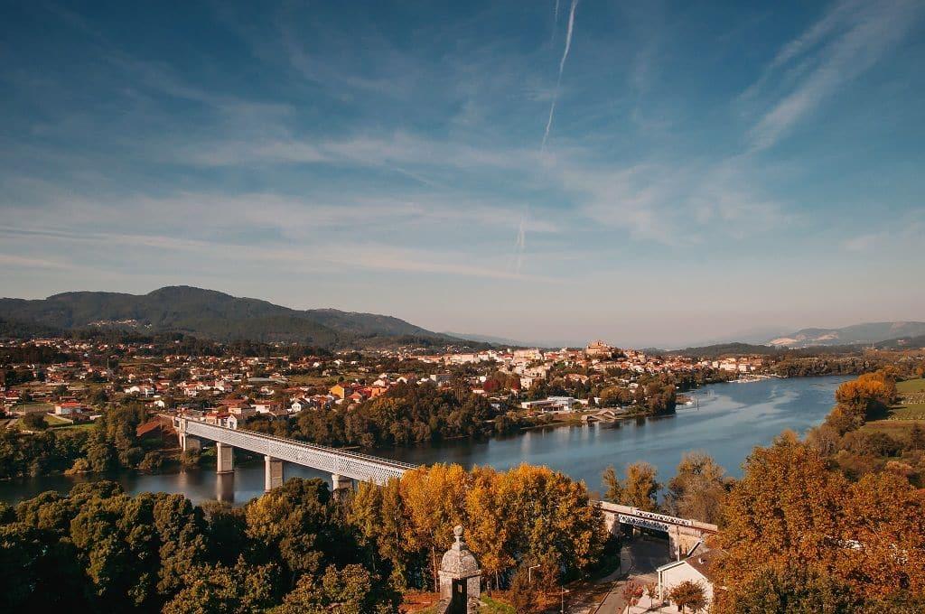 Puente que une Tui y Valença