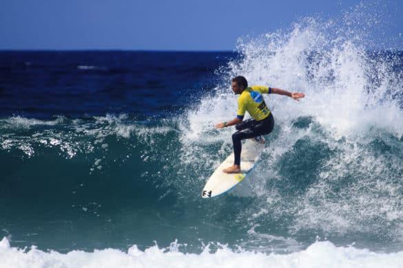 5 playas recomendables para surfear en España