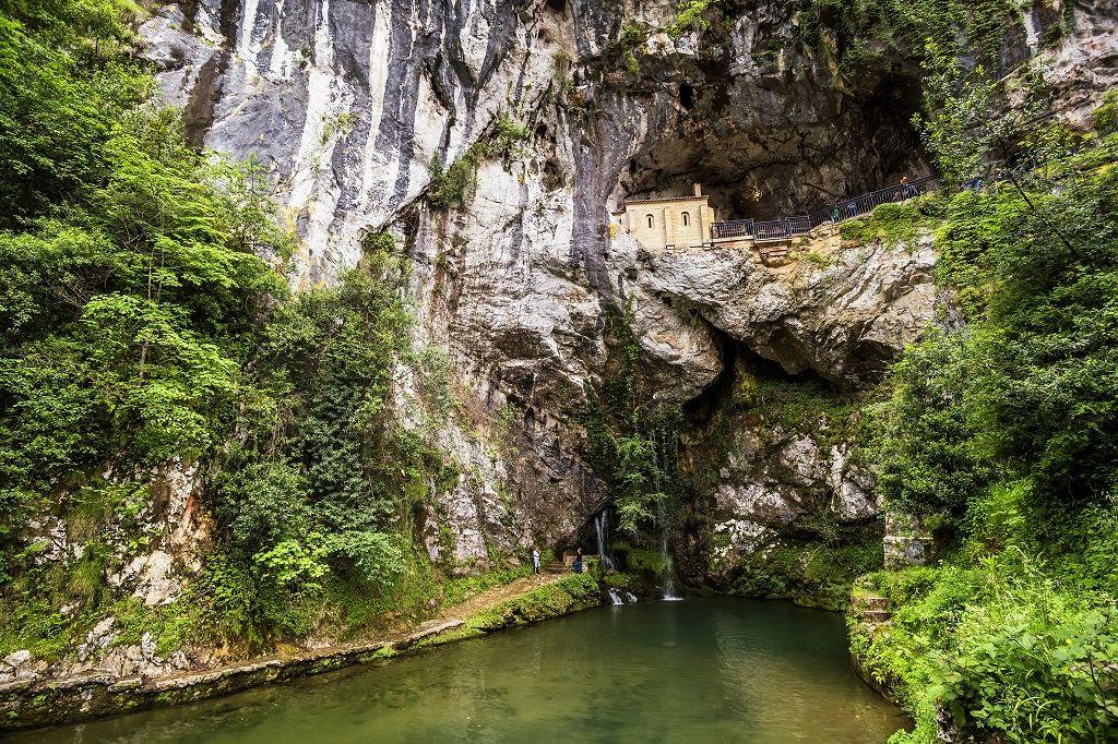 Una Virgen Que Vive En Una Cueva Y Otras Razones Por Las Que Visitar Covadonga