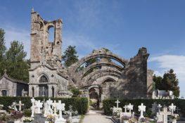 Necroturismo en Galicia: 6 cementerios y una romería para una escapada diferente