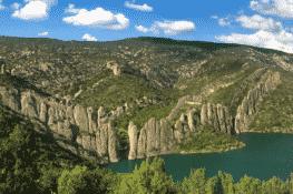 Finestres, la gran muralla española está en un pueblo abandonado de Huesca