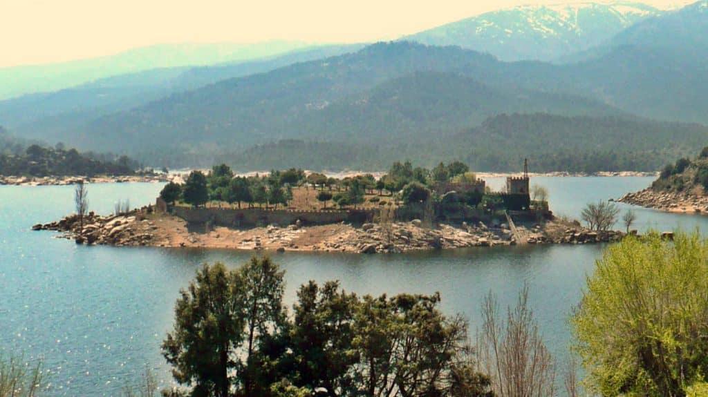 Castillo isla del Burguillo