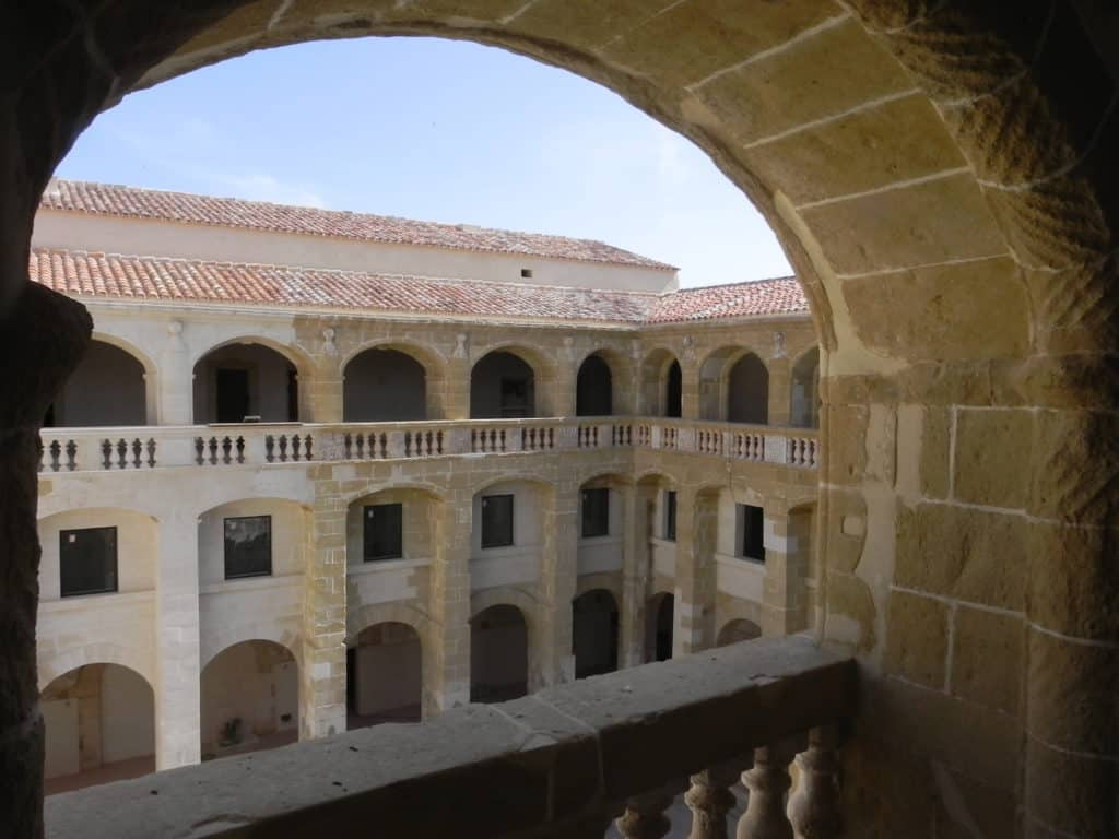 Convento de San Diego, Menorca, Patio de Sa Lluna