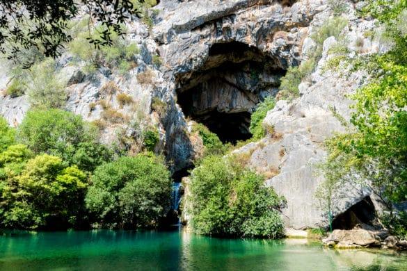 El Charco frío de la Cueva del Gato, un refrescante baño en la sierra de Grazalema