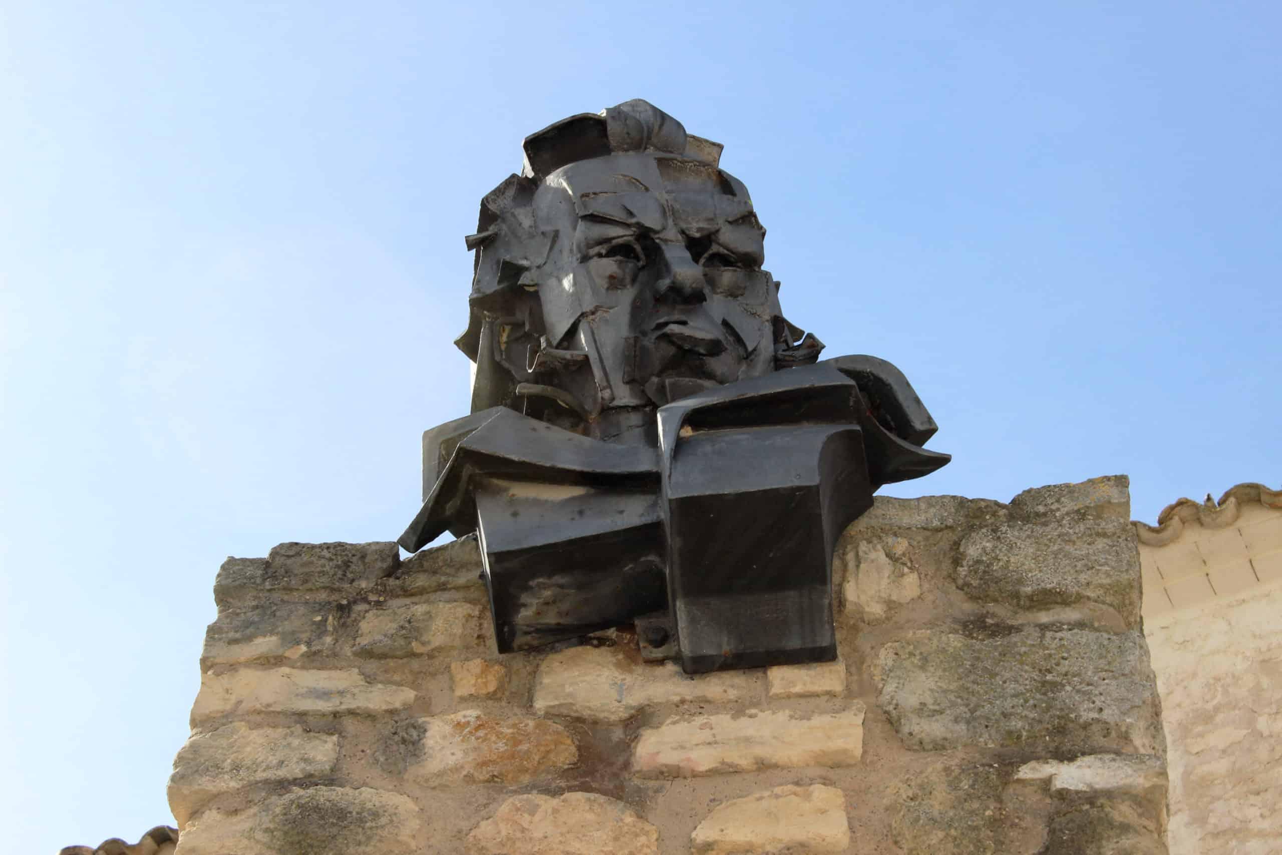 Estatua de Goya en Fuendetodos (Zaragoza, España). Su pueblo natal.