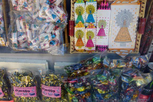 La historia de los adoquines del Pilar, los caramelos que nunca se acaban
