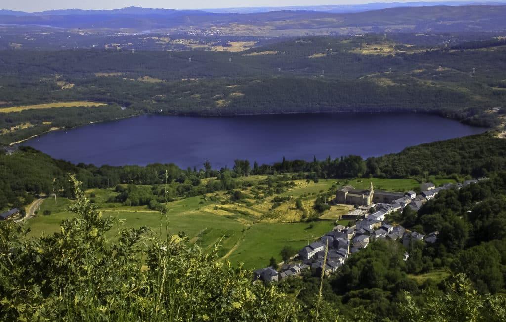 Lago de Sanabria provincia de Zamora. Ya no hay pueblo