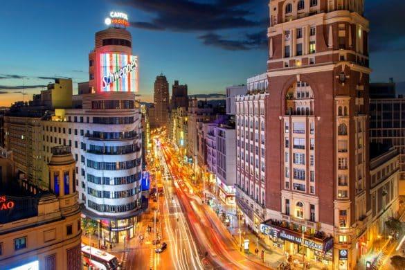 Ventajas y desventajas de que los españoles se estén mudando a ciudades cada vez más grandes