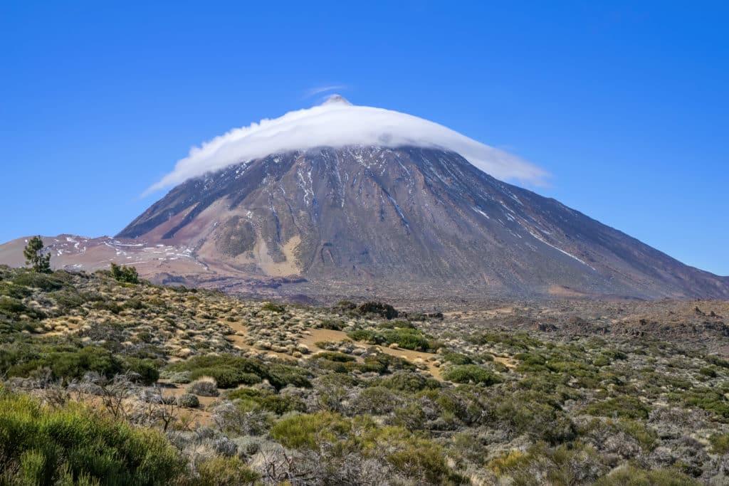 Teide mit Wolkenmütze einer Lenticularis Wolke